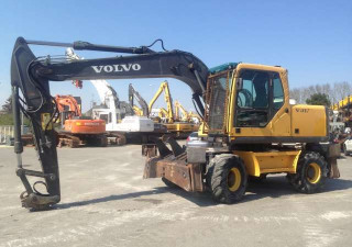Wheeled Excavators VOLVO EW 160 B used