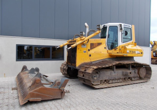 Liebherr PR734LGP  Bulldozer with ripper valve