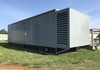2000 kW CAT Diesel Generator - Great Condition! Enclosed with base tank