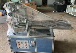 Machine semi-automatique à colle chaude pour plier et sceller les boîtes [de céréales]