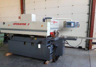 SAOMAD  OPERATOR 5-Window machining center