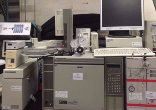 Hewlett-Packard Gas Chromatograph 5890 Series Plus II
