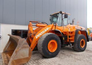 Doosan DL400