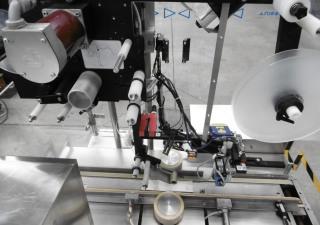 Corima (Marchesini-Group) F02/S Self-Adhesive Top Labeller (vignettes, bolini) for cartons etc.