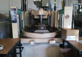Niigata NVR85TY Injection moulding machine