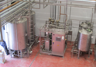 Gemak 1,000 l/hr cream pasteuriser with aging and raw cream tanks