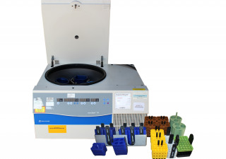 Fisher Scientific AccuSpin 1R Refrigerated Benchtop Centrifuge with rotors, & buckets