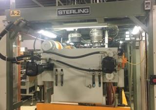 Machine de moulage par soufflage à tête d'accumulateur Sterling modèle SE303D double de 3 livres