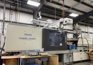 Used 400 Ton Toyo Tm400H Injection Molding Machine