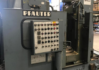 Pfauter P403 lathe