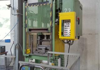 Reis SEP 6-30S Hydraulic Four Column Press