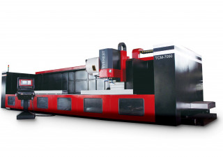 Everest Tcm 7050 Moving Column Machining Center