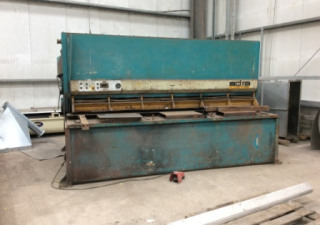 1996 Adira GHS 1630 Hydraulic Guillotine Shears