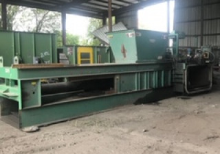 International Closed Door Baler Model Ld60-Sd