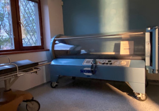Hyperbaric Chamber SECHRIST INDUSTRIES INC. 2500B For Sale in perfect working condition.