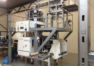 HAYSSEN ULTIMA 12-16 SF vertical form/fill/seal Machine.