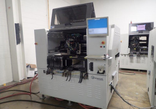 Universal Advantis AX-72E 4984B Placement Machine (2004)