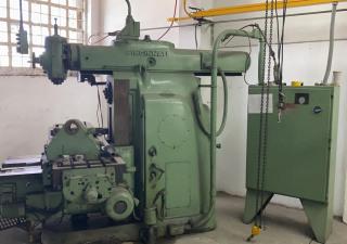 Cincinnati universal milling machine