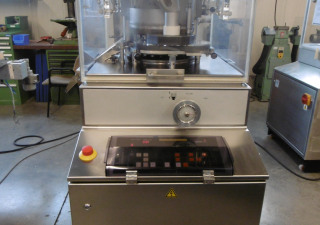 Kilian E150/21 EU-D rotary tablet press