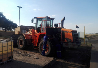 2 x 2012 Doosan DL 300A Front-End-Loaders for sale, available immediately