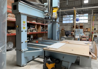 Used Dms 5 Axis Cnc Router, Dual 5'X5′ Tables, 48″ Z