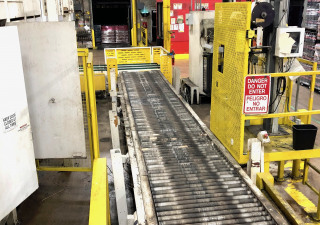 Wulftec Wcrt-200 Automatic Pallet Wrapper With Conveyors