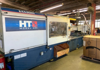 Van Dorn 500-Ton Plastic Injection Molding Machine 2001