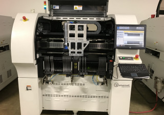 Universal Genesis GI-14 4988F Placement Machine (2009)