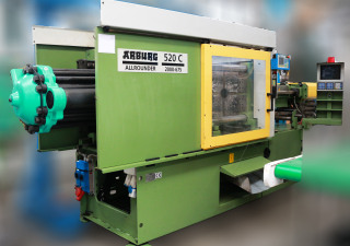 Injection Molding Machine Arburg 520 C 2000-675