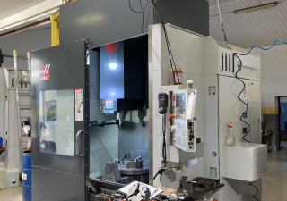 Haas UMC-750SS 5-axis machining center