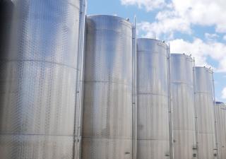 10.500 Liter Storage Tanks/ Wine Tanks  Tanks for wine, beer, sparkling wine, water, fruit juices, oil etc.