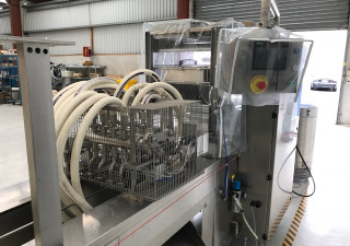 Thermoforming machine with Ice cream filler