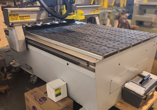 Used MultiCam 1000 CNC Router 4'x8′ Table