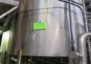 2,500 Gallon Stainless Steel Flat Bottom Tank
