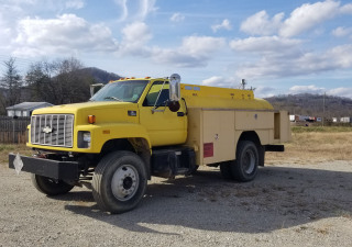 1997 Chevrolet 7500 Fuel/Lube Truck