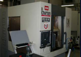 Centre d'usinage vertical Chiron FZ15 W