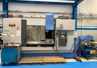 Used Mazak VTC-300 C Machining center - vertical