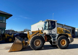 Liebherr L 528 2Plus1 (12001583)
