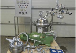 Separator WESTFALIA Type SAMR 3036, capacity: 3.000 liter/h