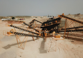 STATIONARY TYPE 200-350 T/H HARDSTONE CRUSHING & SCREENING PLANT