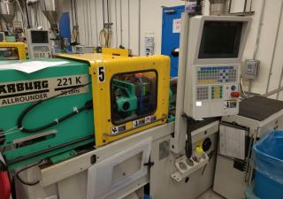 Arburg 38-Ton Plastic Injection Molding Machine 2005