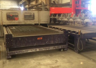Bystronic ByStar 4020 laser cutting machine with interchangeable table and loader