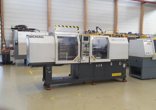 Demag Ergotech 800 - 200 System Injection moulding machine