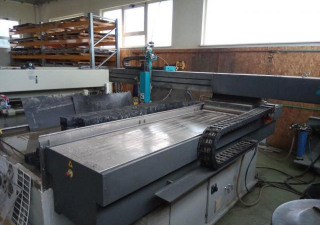 Flow Mach 2b 2031 waterjet cutting machine