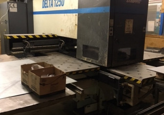 LVD DELTA 1250 Punching machine / nibbling machine with CNC
