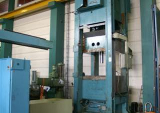 Used Lagan QMC 250 metal press