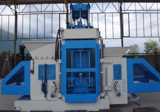 Movable concrete block machine SUMAB E-12 TRANSFORMER