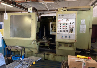 Tos Ofa 71 A Hobbing Machine With Accessories