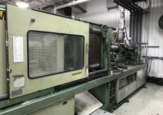 Nissei 399-Ton Plastic Injection Molding Machine
