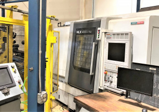 """Mori Seiki Nlx4000By750 Cnc Lathe With 7.3"""" Bore And Two Pneumatic Chucks"""